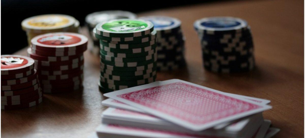 4 Tips untuk Texas Hold'em Taruhan Rendah